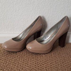 Nude patent heels